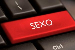 El 55% de los hombres y el 45% de las mujeres tienen algún grado de actividad sexual online