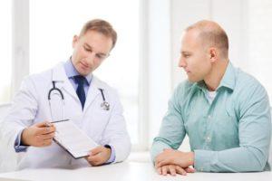 Pruebas recomendadas en la revisión médica de un hombre según su edad