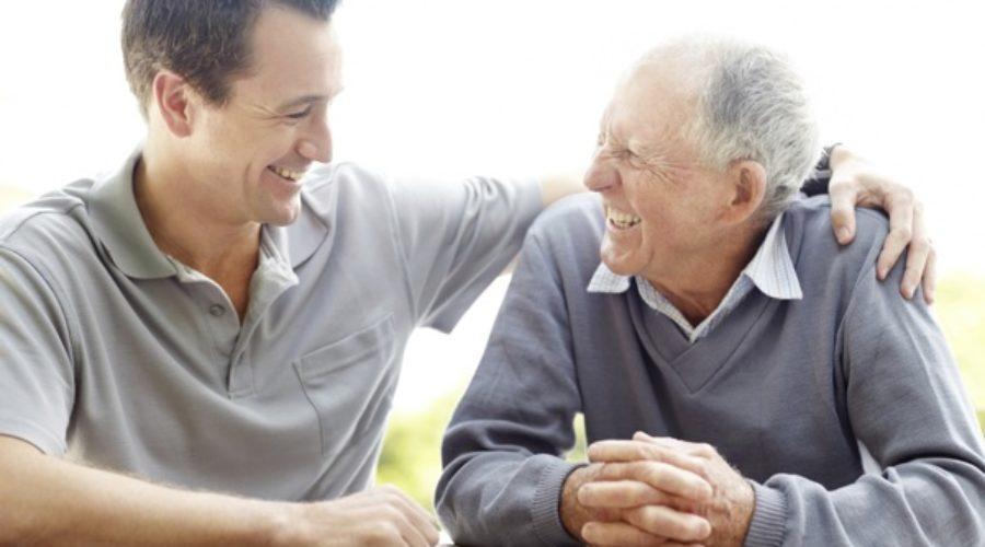 Mi padre ha tenido problemas de próstata ¿cuándo debo revisarme?